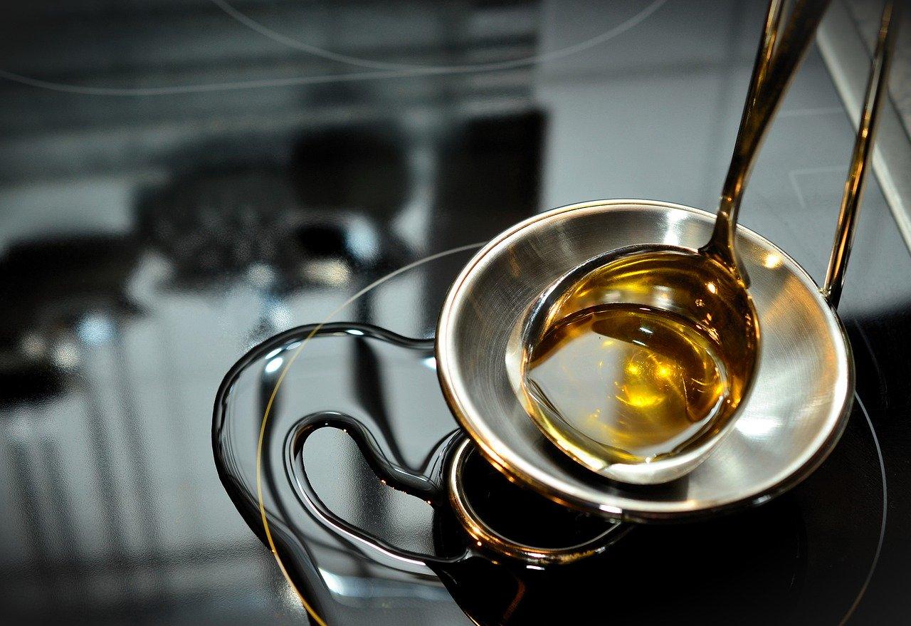 Warum hochwertige Speiseöle und Pflanzenöle in der Küche nicht fehlen dürfen