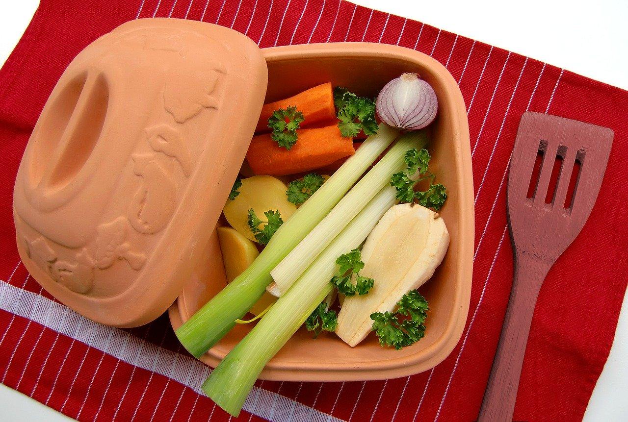 Mit dem Römertopf tolle Gerichte zubereiten