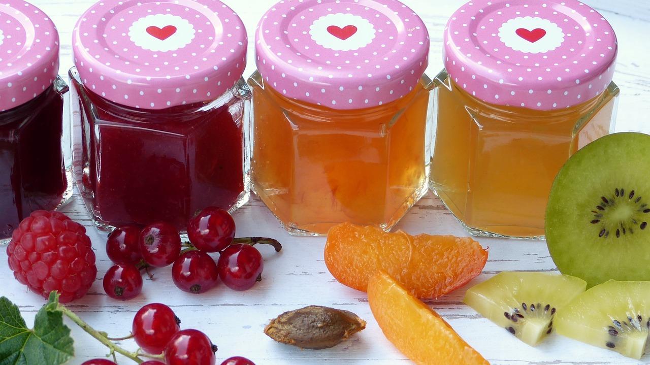 """Aronia Marmelade: eine Marmelade aus dem violett farbigen """"Superfood"""""""